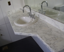 Banheiros e Lavabos CALACATA